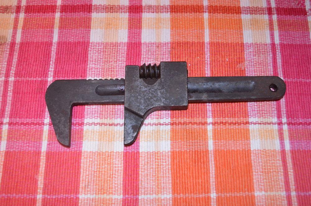 ancienne clé à molette 20 Saint-Jean-Saverne (67)