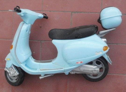 Ancienne moto, scotter, vespa de BARBIE 15 Montauban (82)