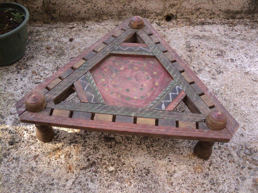 Ancienne Petite Table Basse de Salon Polychrome. 60 Loches (37)