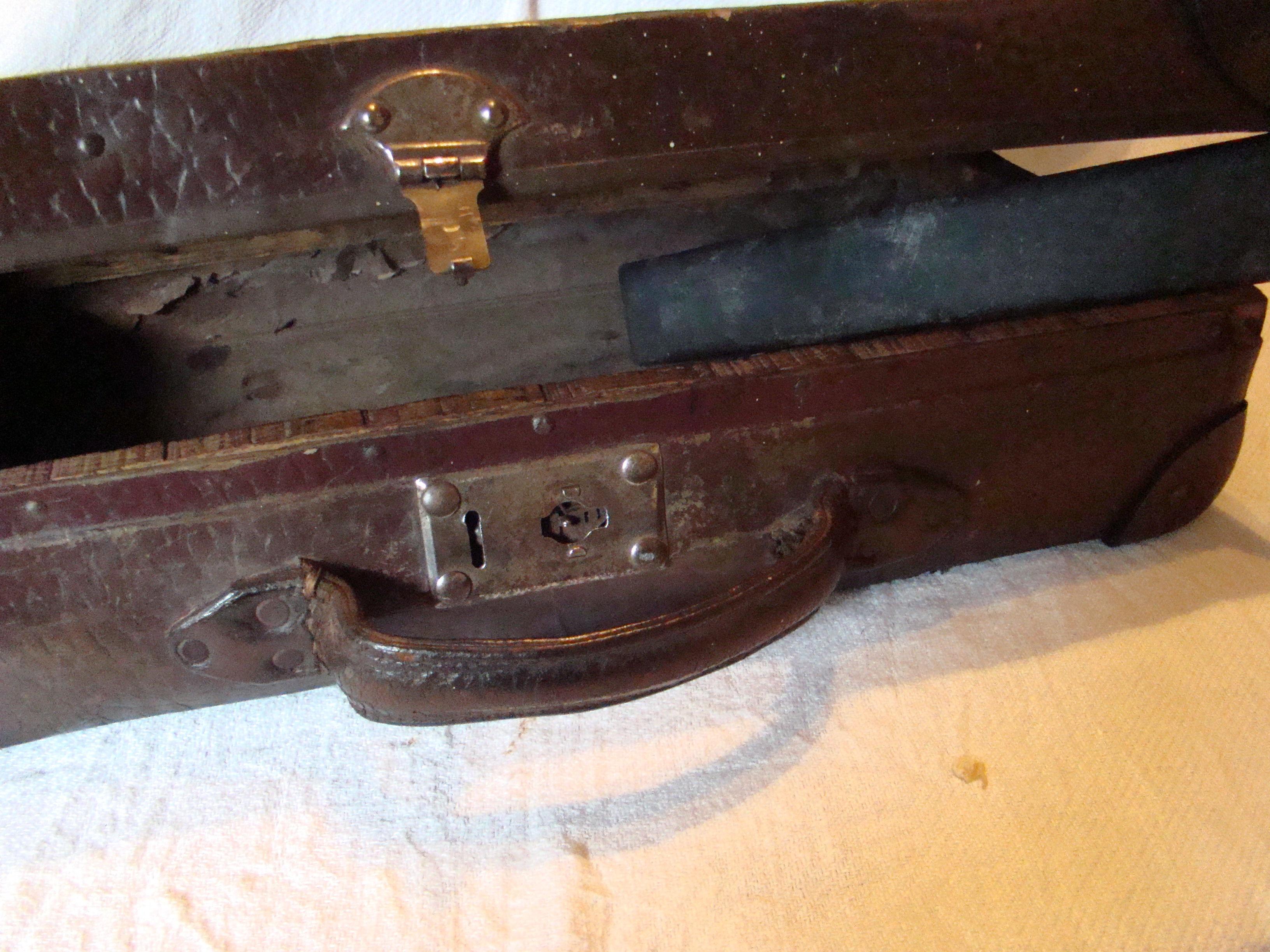 Ancienne  petite  valise 8 Bonrepos-Riquet (31)
