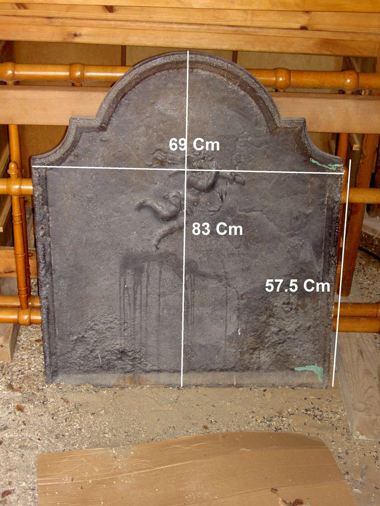 Ancienne plaque de cheminée en fonte 500 Uzès (30)