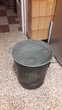Ancienne poubelle/lessiveuse en zinc.