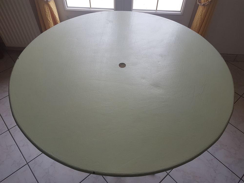 Ancienne table de bistrot ronde en fer 110 Saint-Bris-le-Vineux (89)