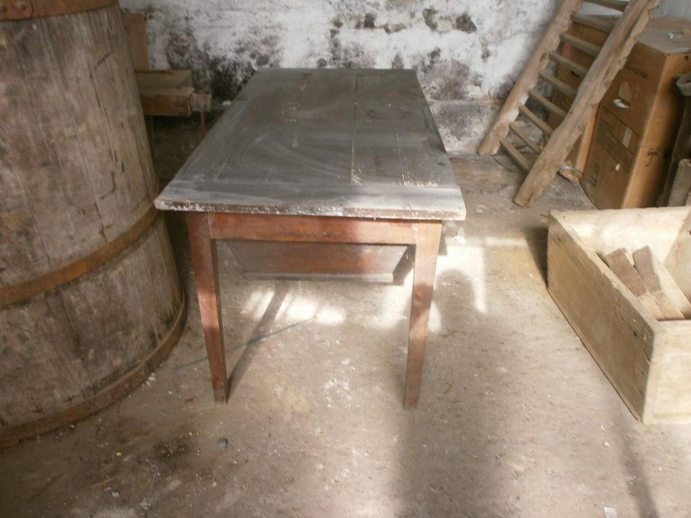 ancienne table pétrin 0 Seyssel (01)