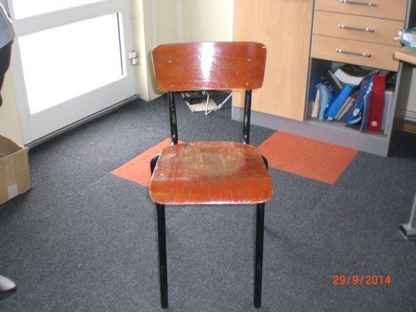 anciennes chaises  d  écolier 145 Caen (14)
