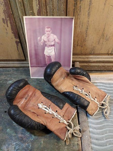 Anciens Gants de Boxe et Photo du Boxeur Jean Guerard 120 Loches (37)