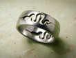 Anneaux en acier ' le serpent '