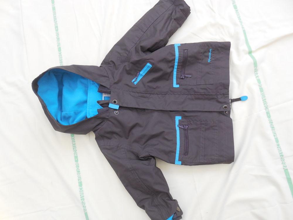 ANORAK   décatlhon  (genre ski ) 5 Pontault-Combault (77)