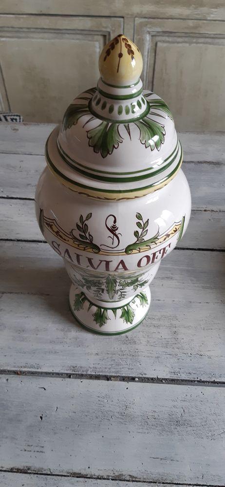 Pot d'apothicaire Salvia Off. Sylvena D 1821 50 Arles (13)