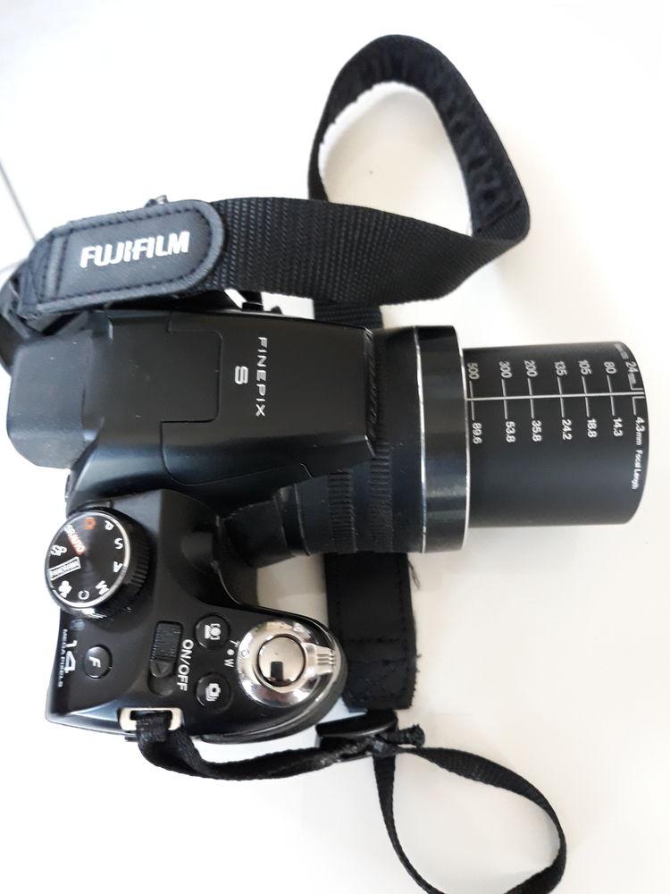 appareil photo bridge fujifilm  120 Serquigny (27)