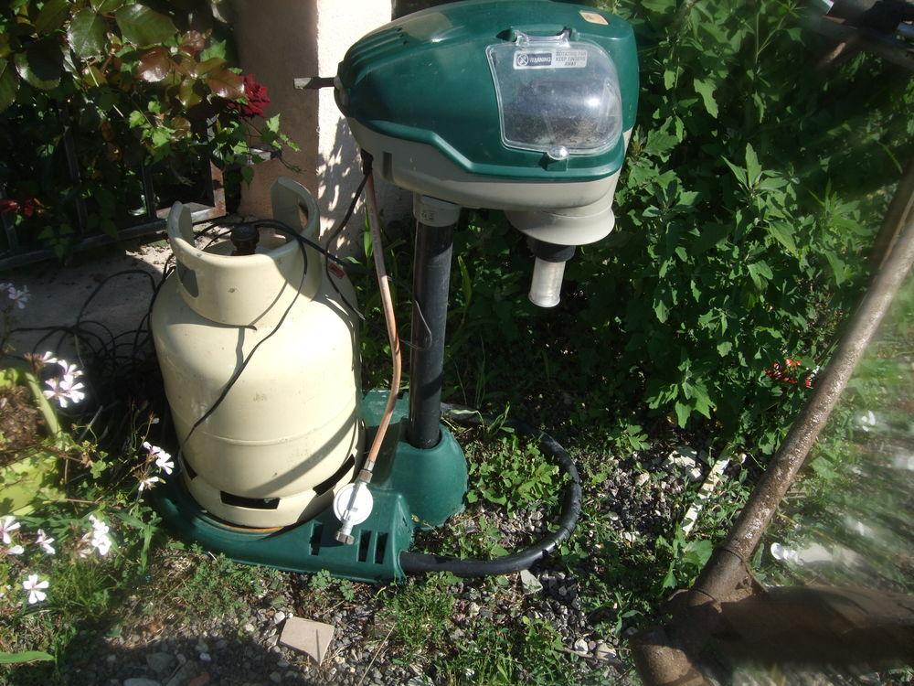 appareil pour detruire les moustiques 120 Six-Fours-les-Plages (83)