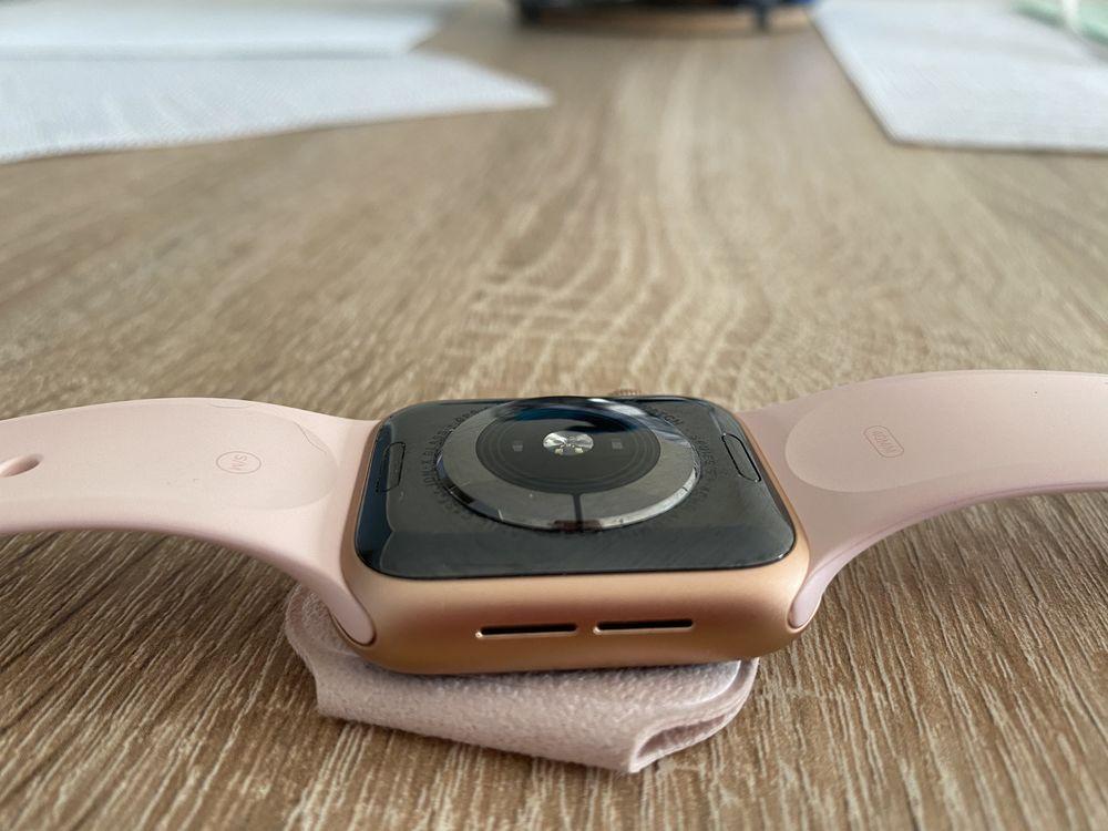 apple watch serie 5 450 Lille (59)