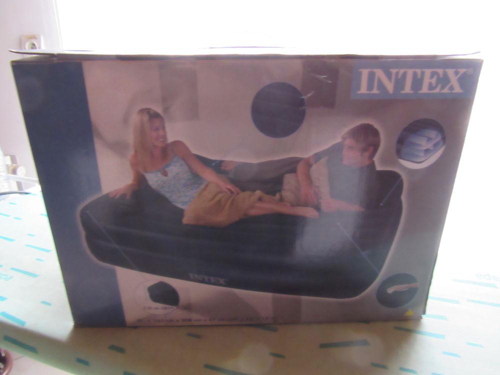achetez lit d 39 appoint 2 neuf revente cadeau annonce vente chevincourt 60 wb158007243. Black Bedroom Furniture Sets. Home Design Ideas