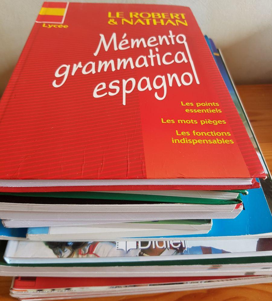 Apprendre l'espagnol : lot de 6 CD- 12 LIVRES- 12 revues voc Livres et BD