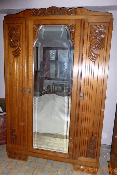 ARMOIRE 1910 ART DECO  400 Saint-Jean-de-Beauregard (91)