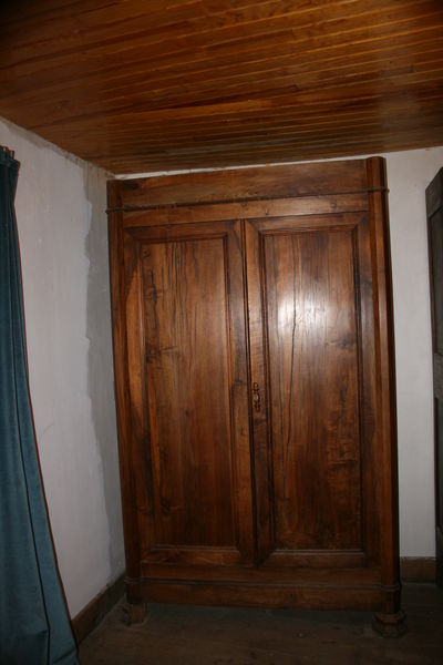 Armoire ancienne Merisier massif  0 Ax-les-Thermes (09)