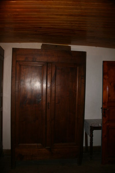 Armoire ancienne Noyer massif 0 Ax-les-Thermes (09)