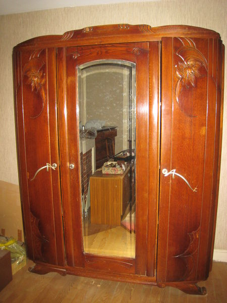 vente armoire ancienne avec miroir. Black Bedroom Furniture Sets. Home Design Ideas