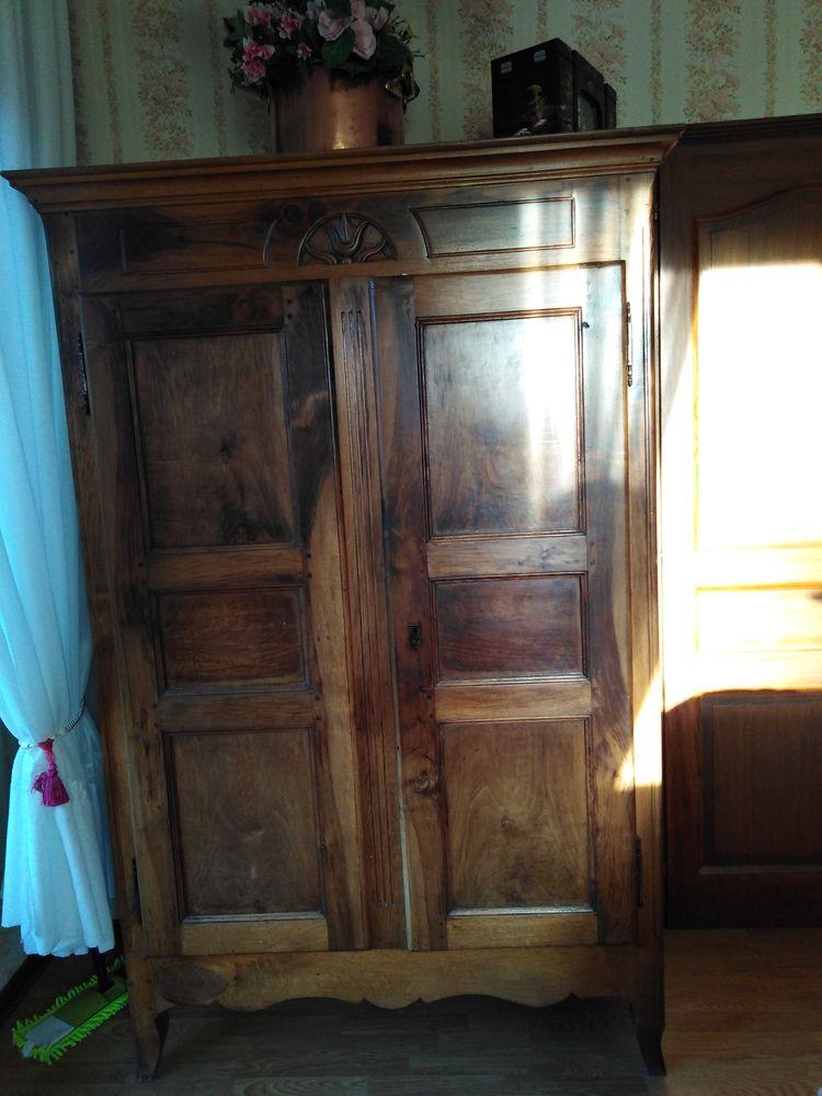 Armoire ancienne Sarde 300 Saint-Pierre-d'Albigny (73)