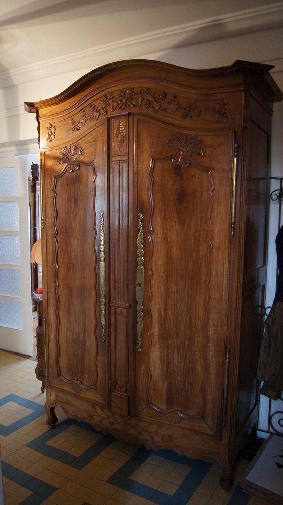 armoires anciennes occasion dans le rh ne 69 annonces. Black Bedroom Furniture Sets. Home Design Ideas