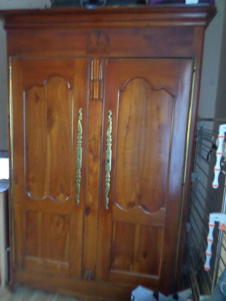 armoire ancienne 500 Cossé-le-Vivien (53)