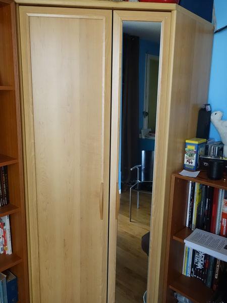 Achetez armoire d 39 angle en occasion annonce vente paris for Meuble d occasion paris