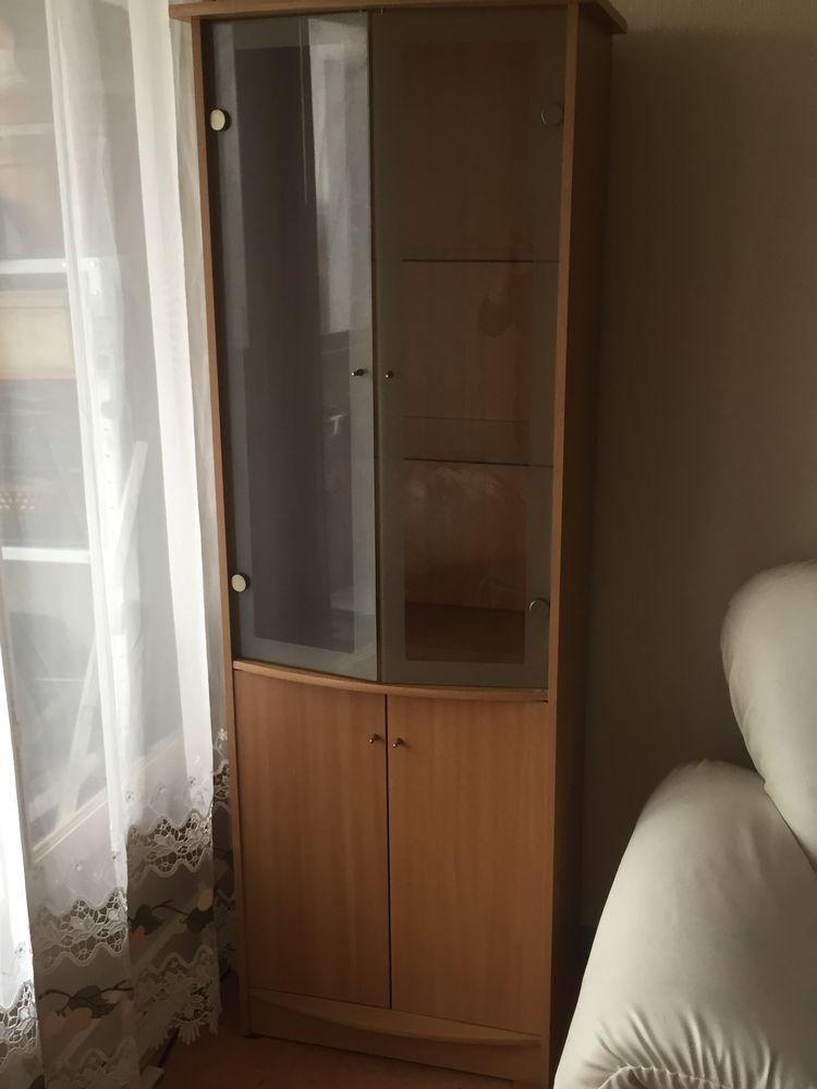 armoire en bois avec vitrine 50 Thiais (94)