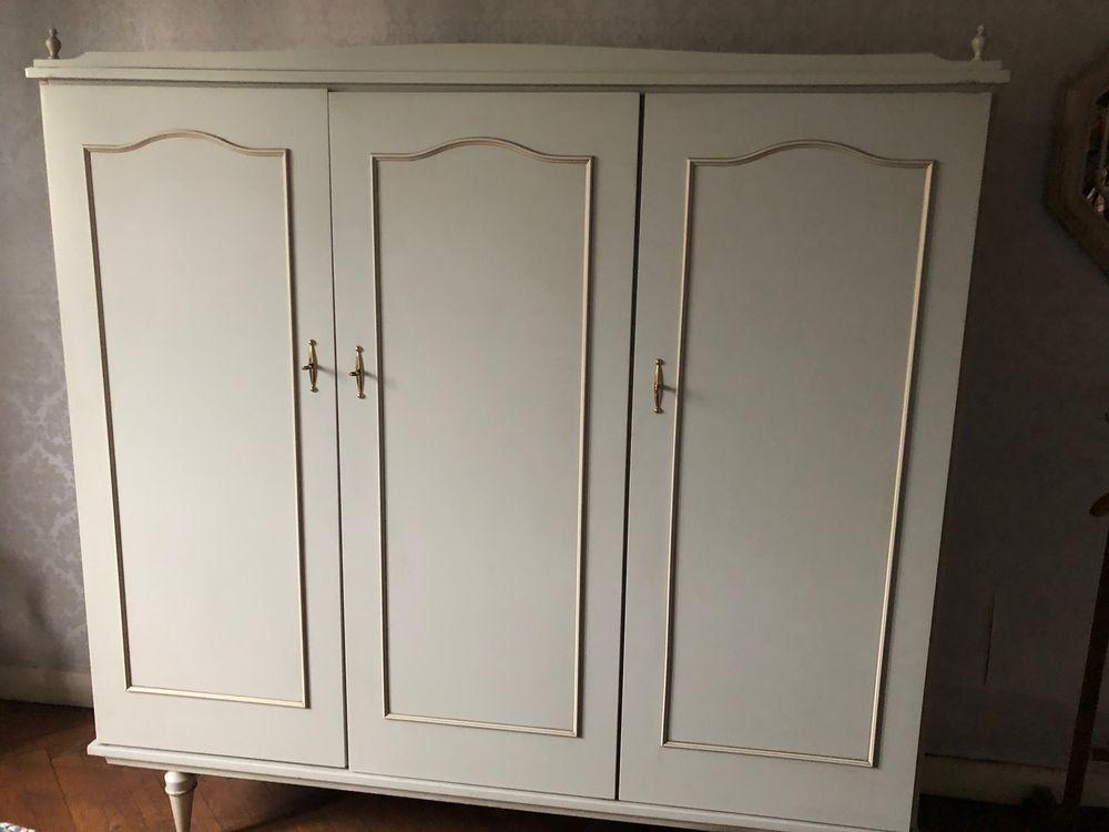 Armoire en bois blanc 3 portes vintage  0 Lyon 4 (69)