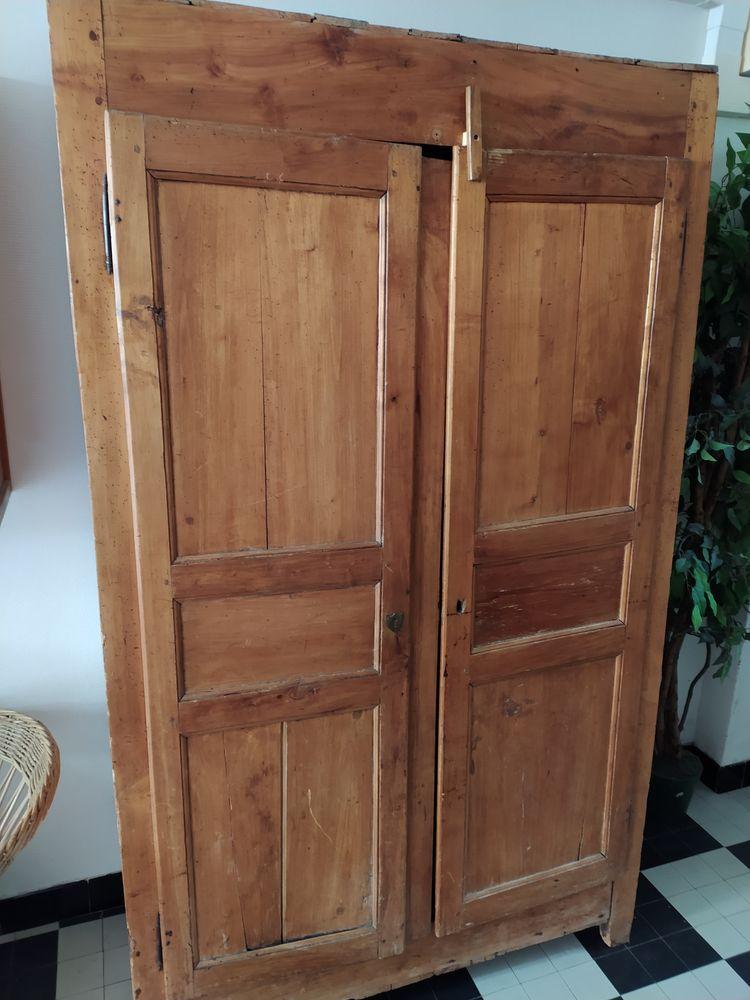 Armoire en bois rustique 50 Lille (59)