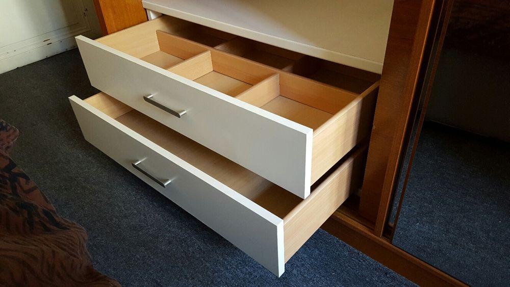 achetez armoire celio occasion annonce vente clichy wb. Black Bedroom Furniture Sets. Home Design Ideas