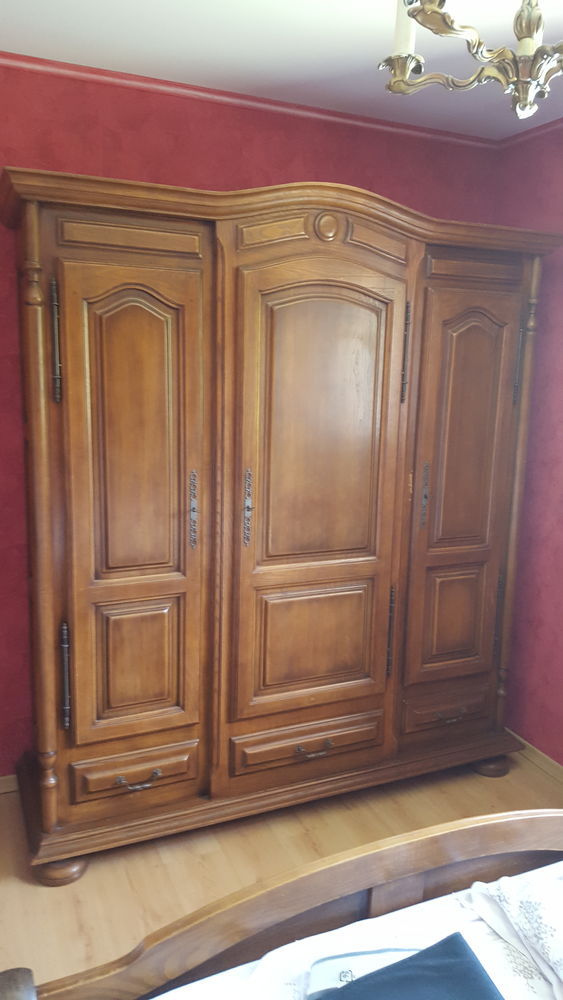 Armoire chêne massif 3 portes 3 tiroirs 200 Gujan-Mestras (33)