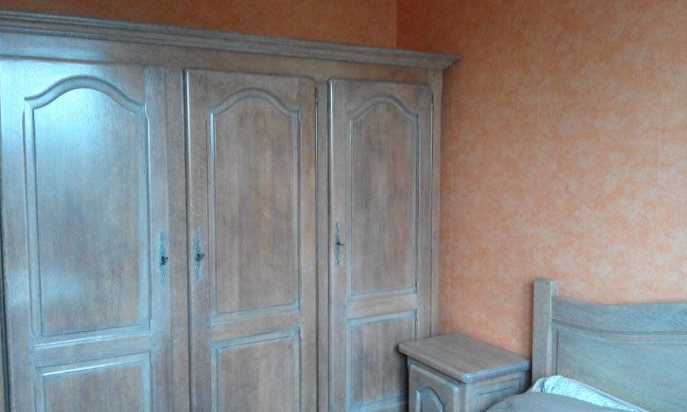 armoire chêne  massif cérusé  900 Saint-Germain-des-Angles (27)