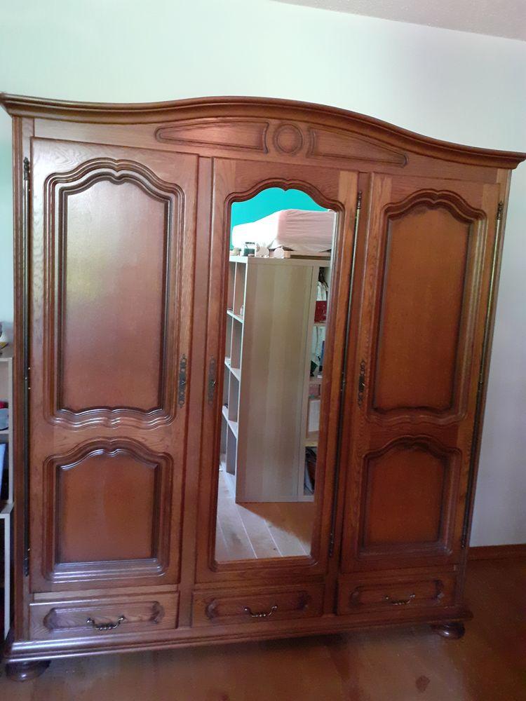 Armoire en chêne 3 portes avec miroir et trois tiroirs 90 Voreppe (38)