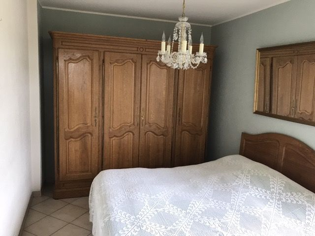 Armoire en chêne style louis XV 4 portes 1700 Leers (59)