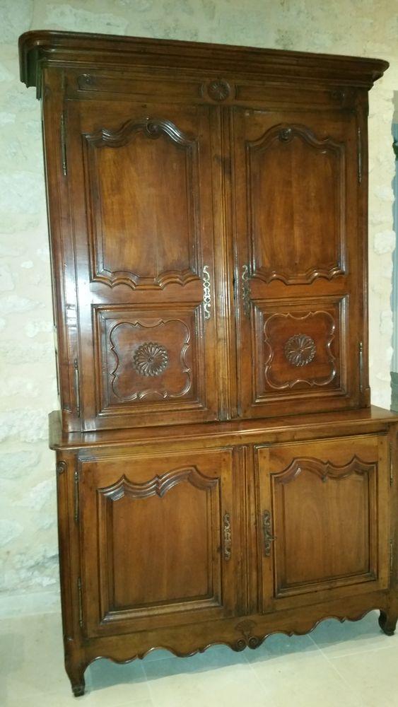 armoire deux corps 18ème  1000 Aubie-et-Espessas (33)