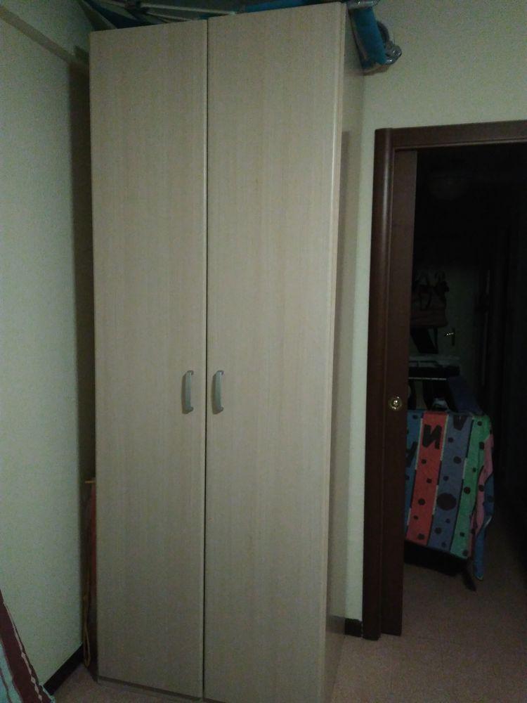 armoire à deux portes  70 Menton (06)