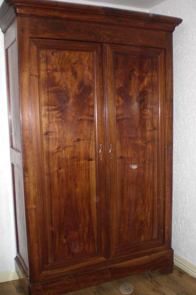 armoire designe achat armoire ancienne occasion. Black Bedroom Furniture Sets. Home Design Ideas
