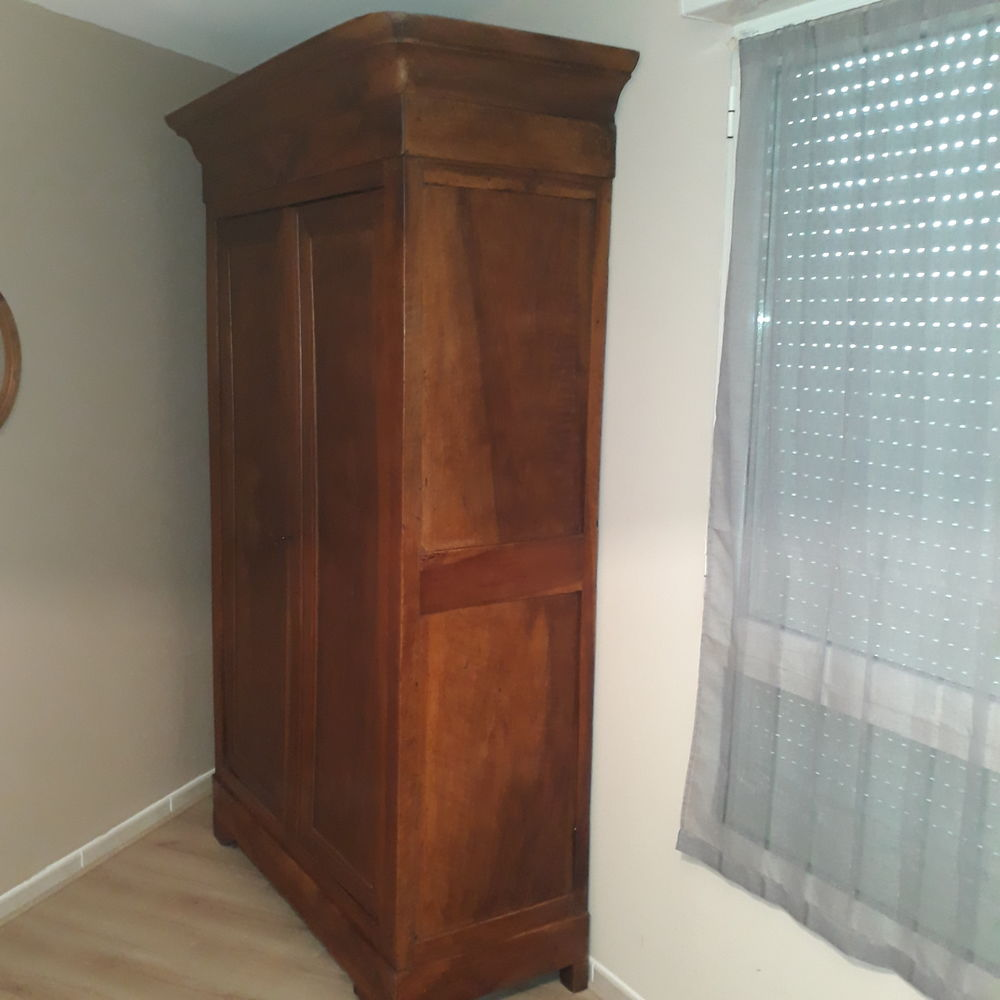 armoire Louis Philippe 200 Montpellier (34)
