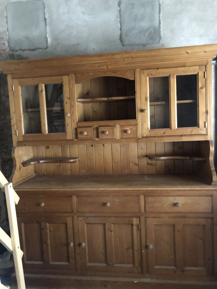 armoire pin massif  0 Villers-sur-Mer (14)