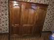 Armoire en merisier 3 portes, 1 glace et 1 tiroir