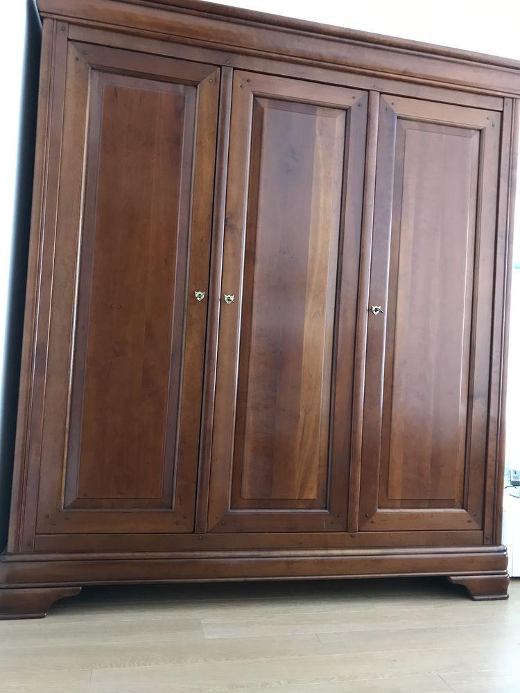 Armoire merisier verni massif 3 portes Louis Philippe 490 Houilles (78)