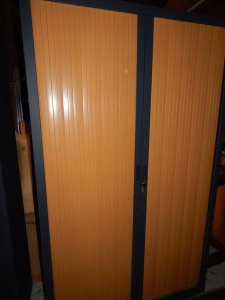 achetez armoire m tallique occasion annonce vente pont audemer 27 wb148566296. Black Bedroom Furniture Sets. Home Design Ideas