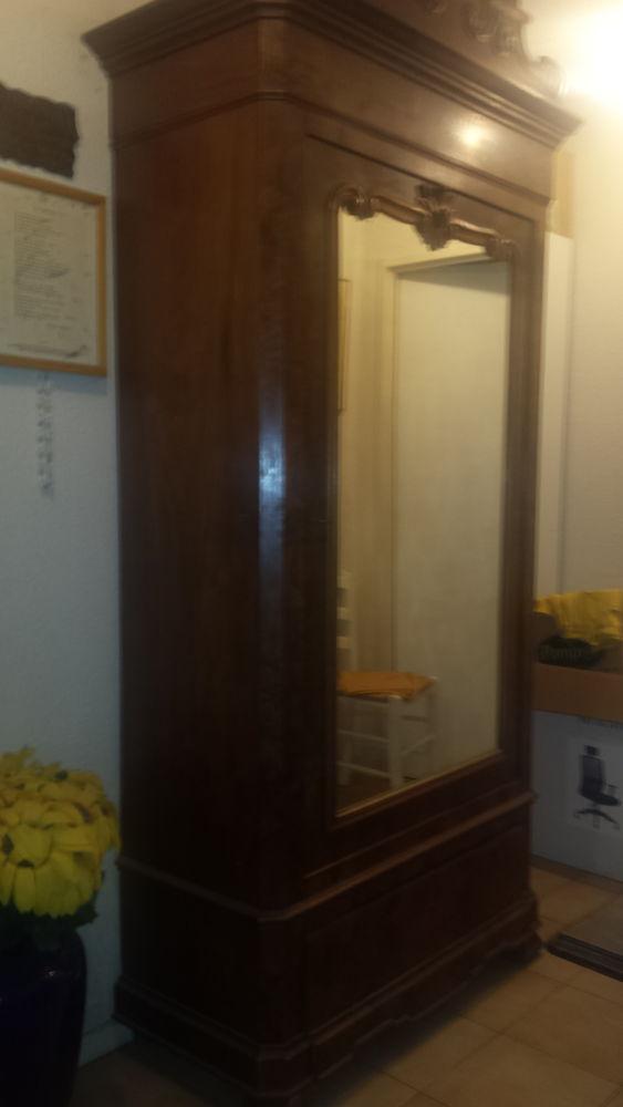 Armoire noyer 1870s.5 étagères.miroir. tiroir 06.mandelieu 3800 Mandelieu-la-Napoule (06)