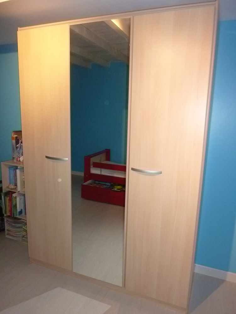 armoire penderie + étagères 3 portes et miroir 120 Laruscade (33)