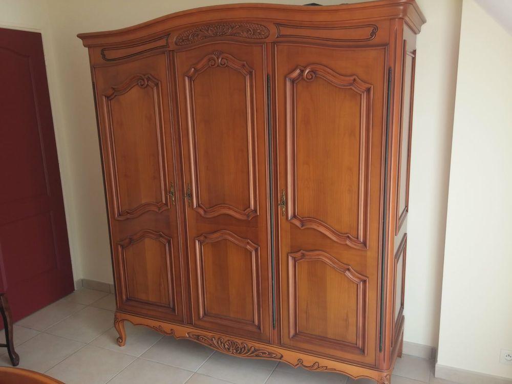 Armoire 2 portes chambre bois type merisier 20 Batz-sur-Mer (44)