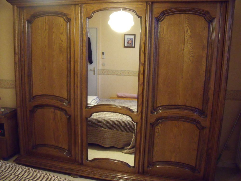 armoire 3 portes coulissantes 200 Istres (13)