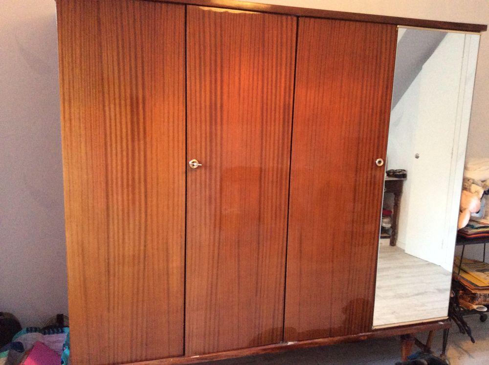 armoire 4 portes marron  150 Trégunc (29)