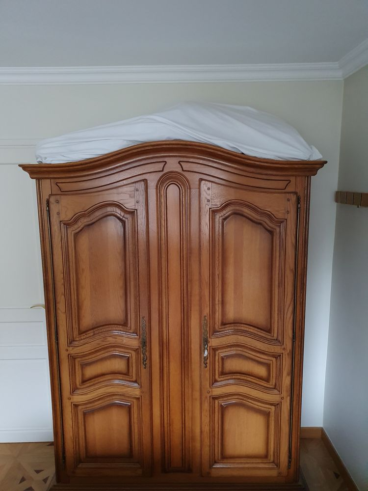 Armoire style antique / rustique 200 Paris 15 (75)