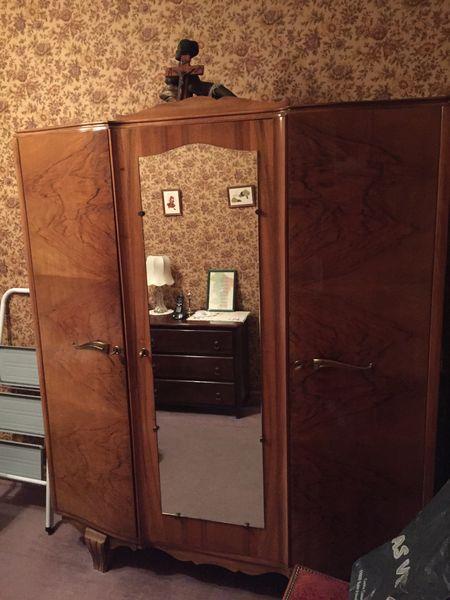 armoires occasion v nissieux 69 annonces achat et vente de armoires paruvendu mondebarras. Black Bedroom Furniture Sets. Home Design Ideas