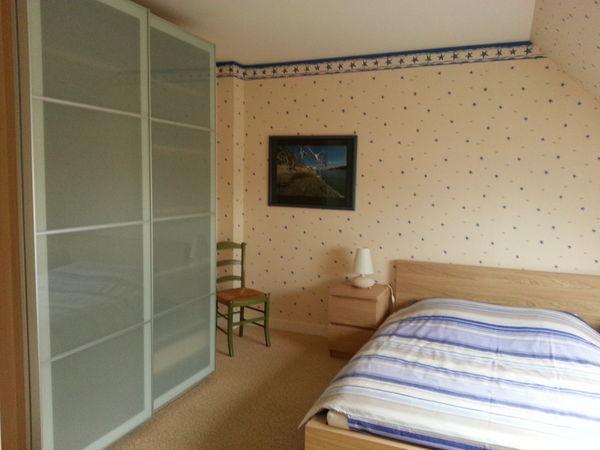 armoires occasion saint nazaire 44 annonces achat et vente de armoires paruvendu. Black Bedroom Furniture Sets. Home Design Ideas